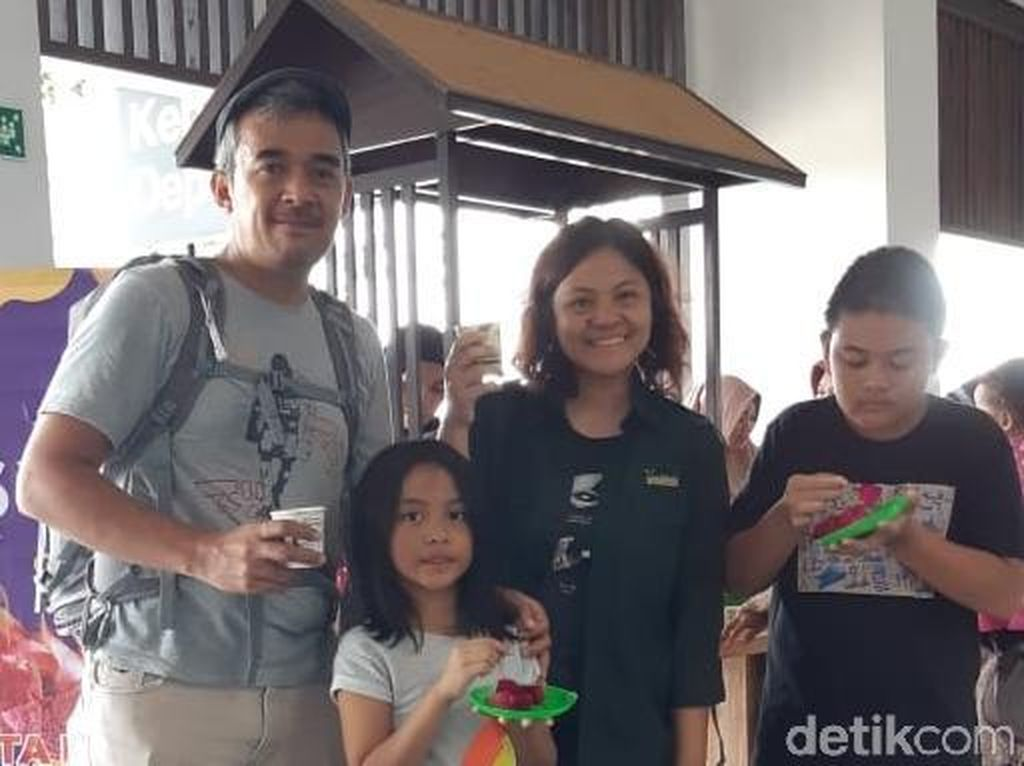 Borong Hasil Panen Petani, Bandara Banyuwangi Gelar Pesta Buah Lokal