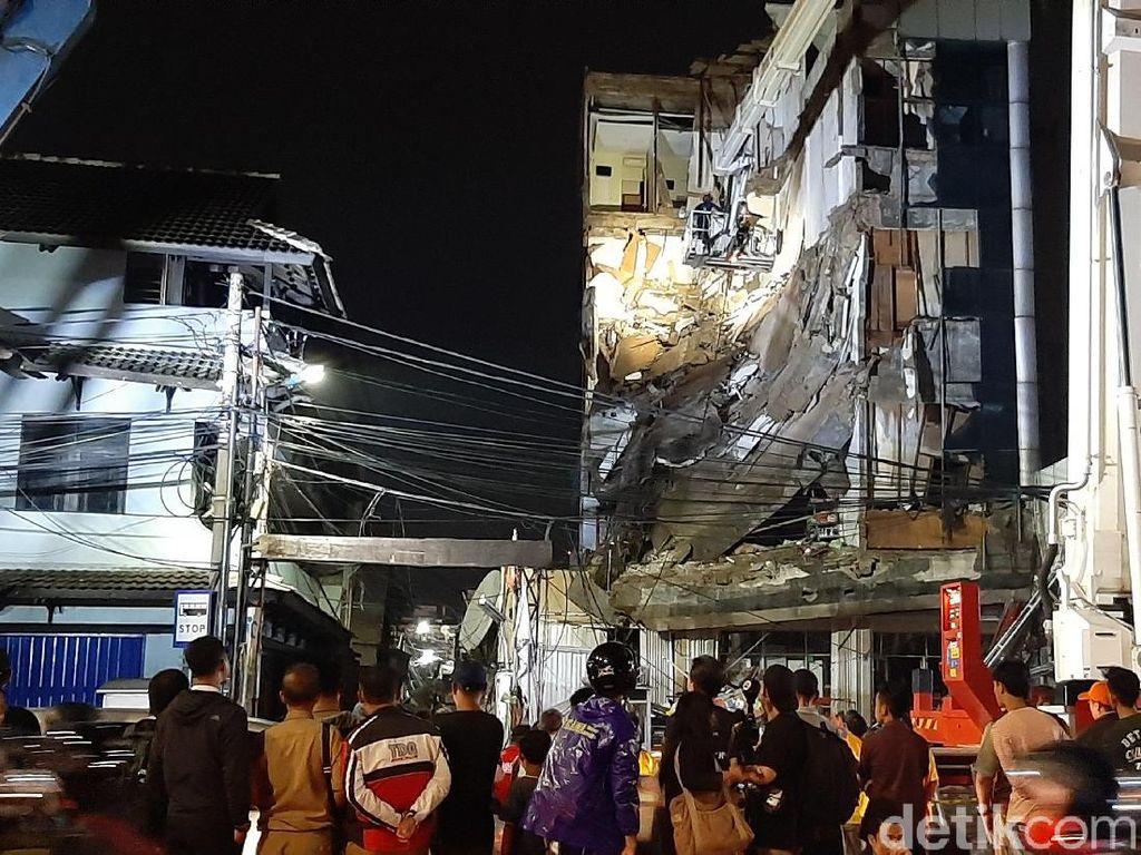 Polisi Sudah Periksa Pemilik Gedung yang Ambruk di Slipi