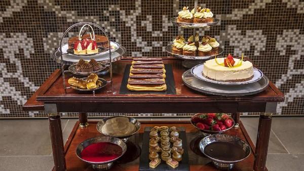 Kisah Norak Orang Orang Saat Makan Di Restoran Mewah Ini Bikin