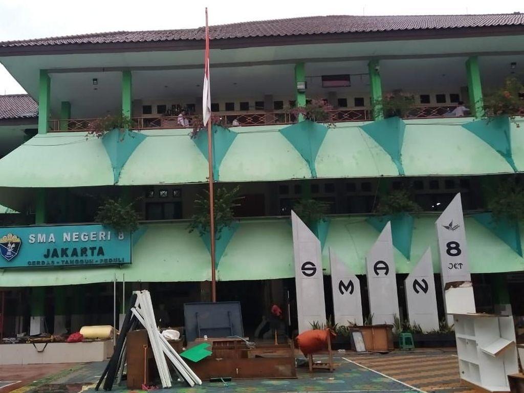 Siswa SMAN 8 Jakarta Keluhkan KBM di Perpustakaan: Bising dan Tak Kondusif