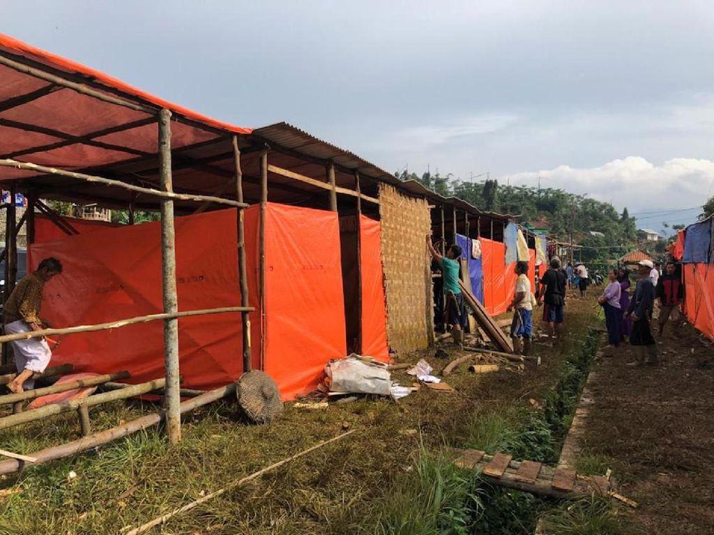 Potret Penampungan Sementara Korban Banjir di Kabupaten Bogor
