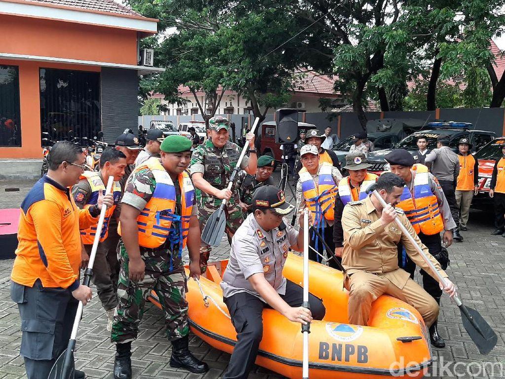 Instansi Gabungan Probolinggo Sedia Payung Sebelum Hujan Antisipasi Bencana