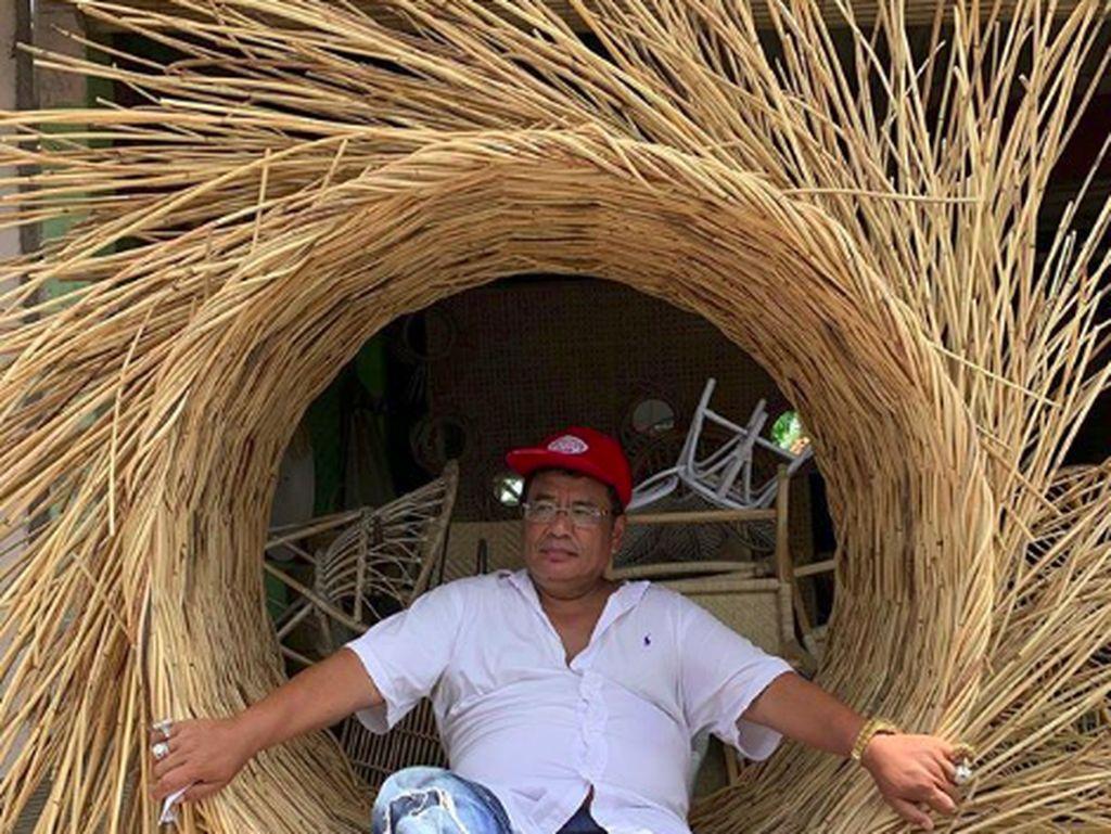 Foto: Gaya Liburan Hotman Paris di Bali