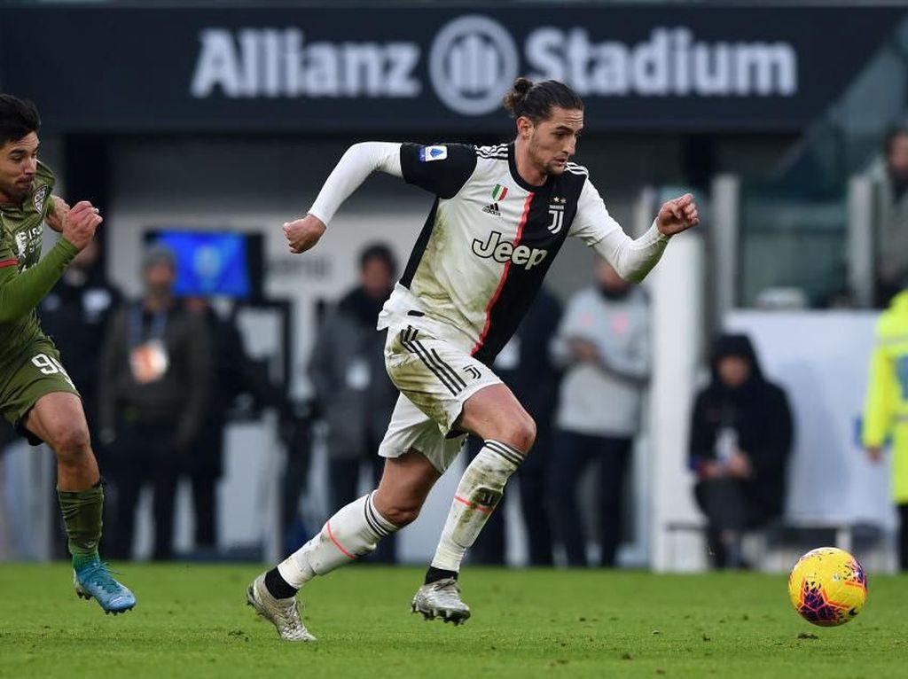 Juventus: Emre Can dan Adrien Rabiot Tak Akan ke Mana-Mana