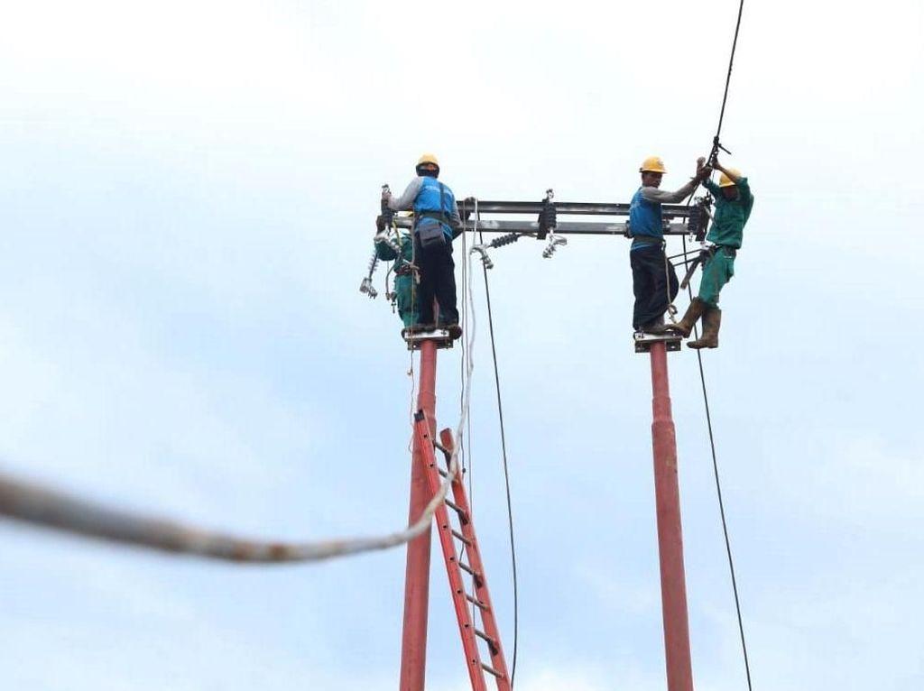 Melihat Upaya PLN Pulihkan Listrik di Kawasan Lebak Banten