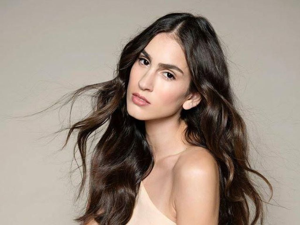Foto: Cantiknya Huda, Model Israel yang Pertamakali Berbikini di Majalah Arab