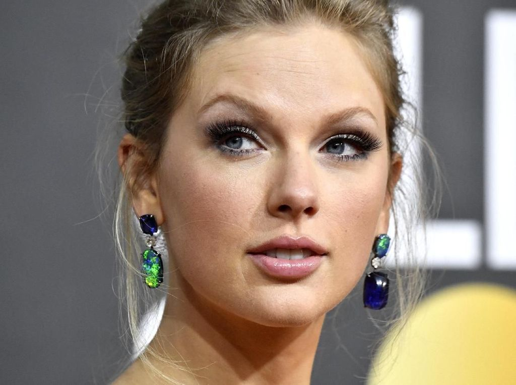 Surprise! Taylor Swift Rilis Album Baru Folklore