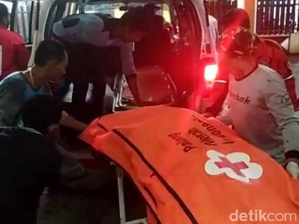Wisatawan Asal Gresik Tewas Terseret Ombak Pantai Lenggoksono Malang