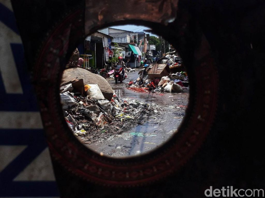 Habis Banjir Terbitlah Gunungan Sampah