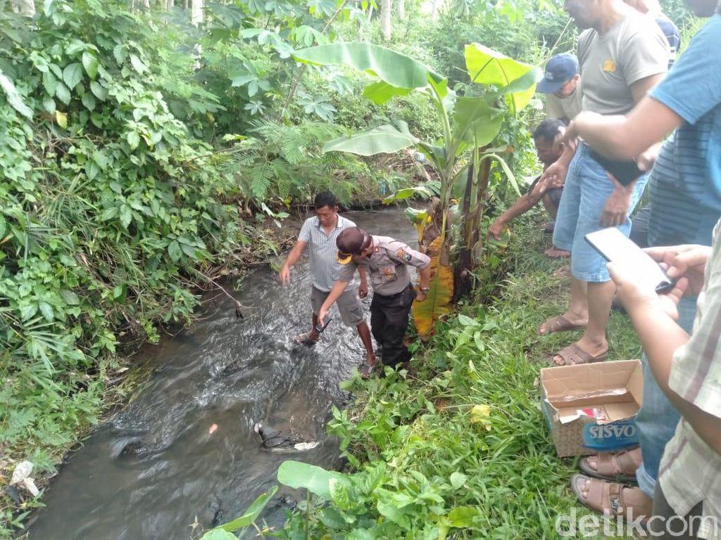 Jasad Bayi Tersangkut Batu Sungai Gegerkan Warga Blitar