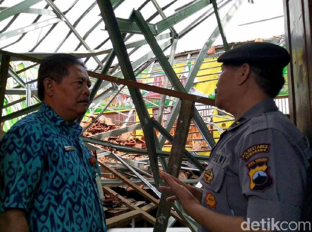 Polisi Ungkap Sumber Robohnya Atap SD di Semarang