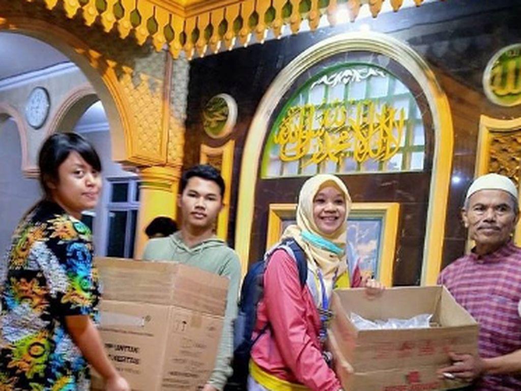 Inspiratif! Organisasi Ini Berikan Bantuan Berupa MPASI untuk Bayi Korban Banjir