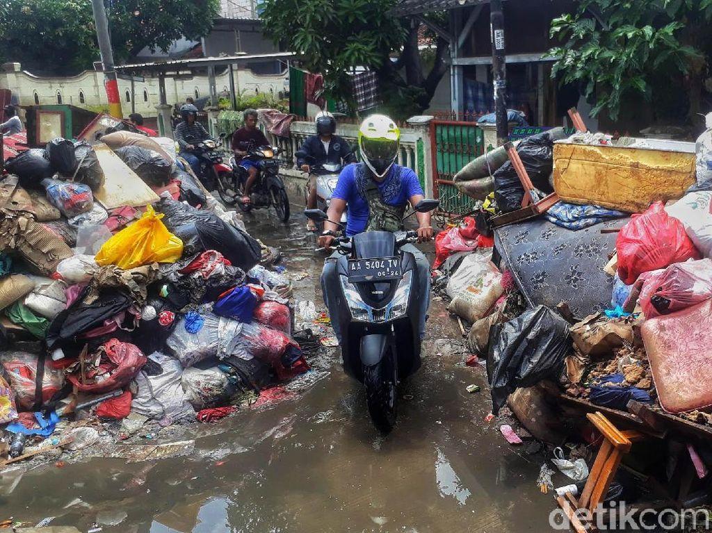 Rugi Besar Akibat Banjir, Pengusaha Mal Mau Ketemu Anies