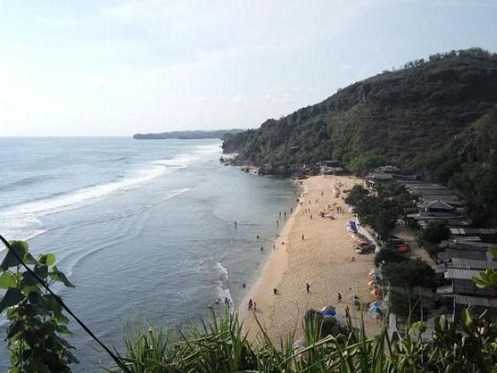 Beginilah Keindahan Pantai di Gunungkidul