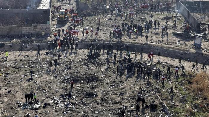 TKP Jatuhnya Pesawat Ukraina di Iran (Foto: AP Photo)