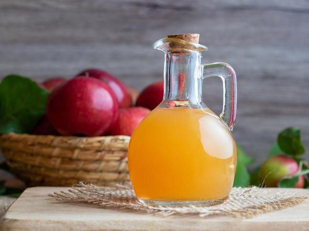 Ade Rai tentang Manfaat Cuka Apel, Lancarkan Pencernaan dan Bikin Perut Langsing