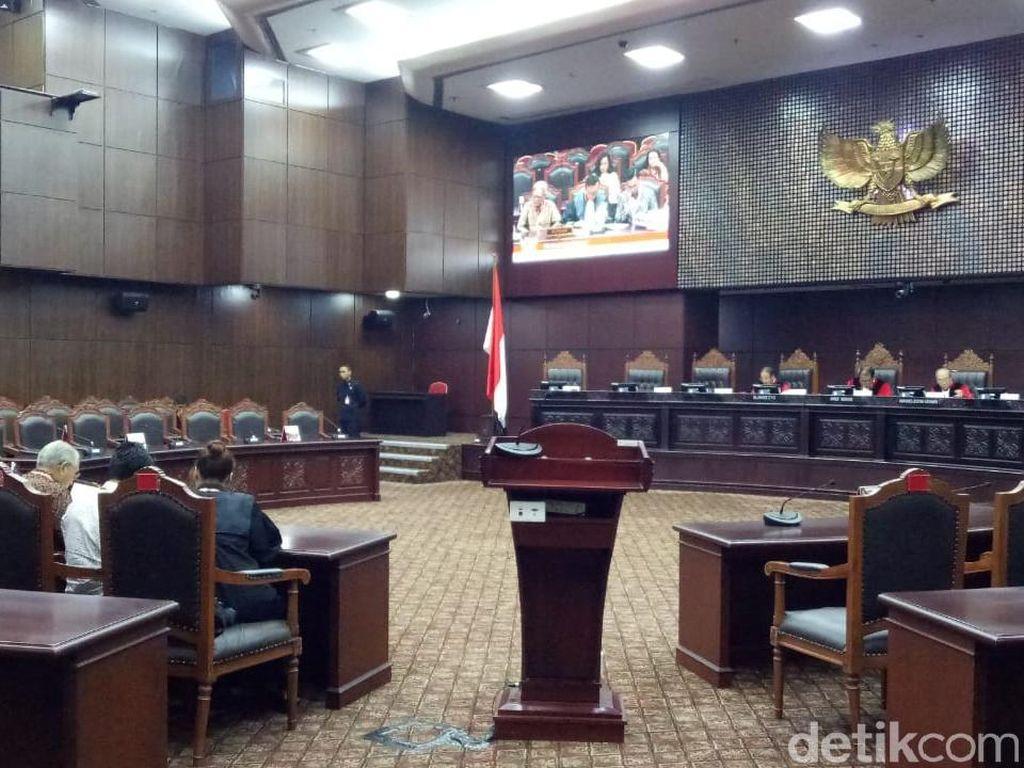 Gugat Revisi UU KPK, Pengacara Agus Rahardjo cs Nilai Ada Penyelundupan Hukum