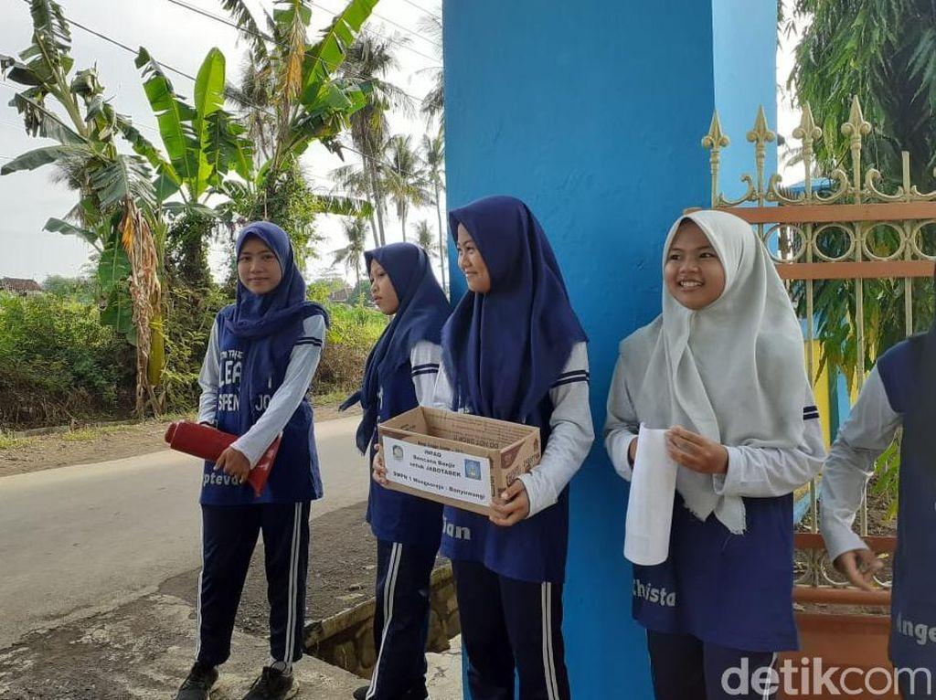 Sekolah Ini Gelar Infak untuk Korban Banjir Sebagai Pendidikan Karakter