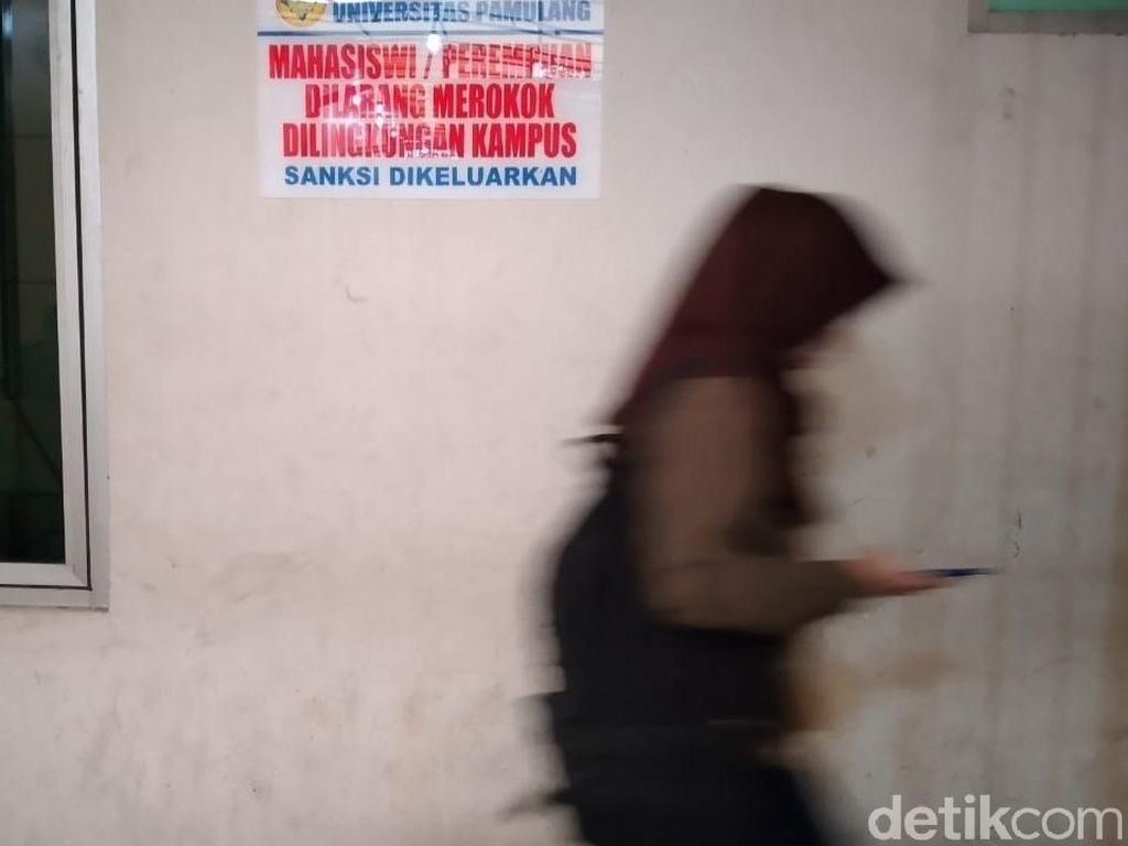 Penampakan Tanda Larangan Merokok Khusus Mahasiswi yang Viral di Pamulang
