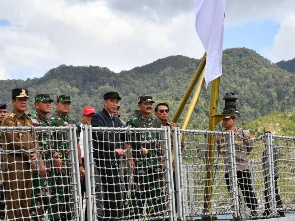 Jokowi Lempar Pesan, Kapal China di Natuna Balik Kanan