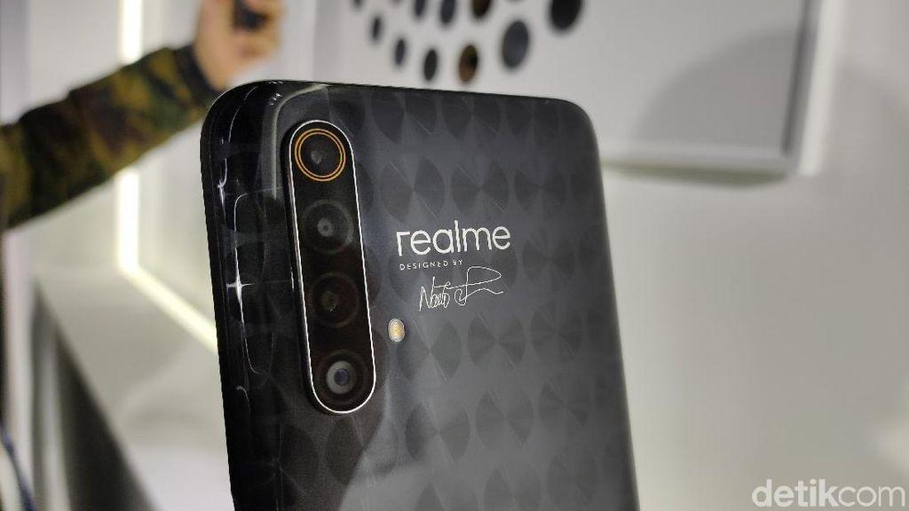 Penampakan Realme X50 5G Master Edition yang Serba Geometris
