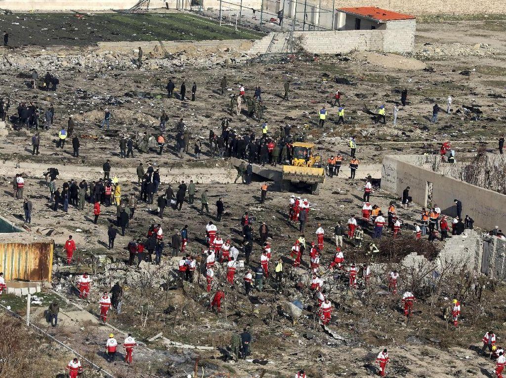 Pejabat Militer Iran Bantah Rumor Pesawat Maskapai Ukraina Terkena Rudal
