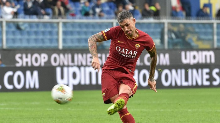 GENOA, ITALY - OCTOBER 20: Aleksandar Kolarov of AS Roma in action during the Serie A match between UC Sampdoria and AS Roma at Stadio Luigi Ferraris on October 20, 2019 in Genoa, Italy. (Photo by Paolo Rattini/Getty Images)