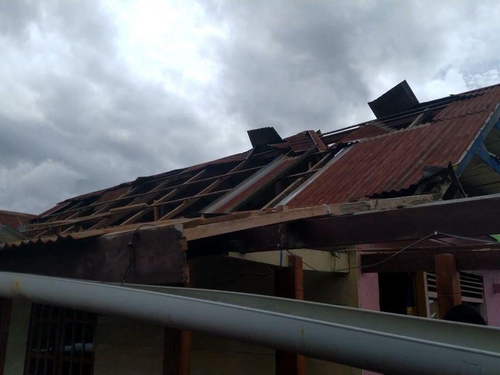 Penampakan 4 Rumah Rusak di Mamasa Akibat Puting Beliung