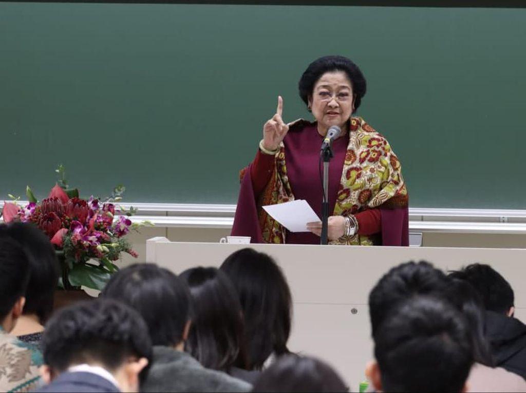 Megawati: Yang Cantik-cantik Jangan Malu Berpolitik, Tak Akan Kalah Sama Pria