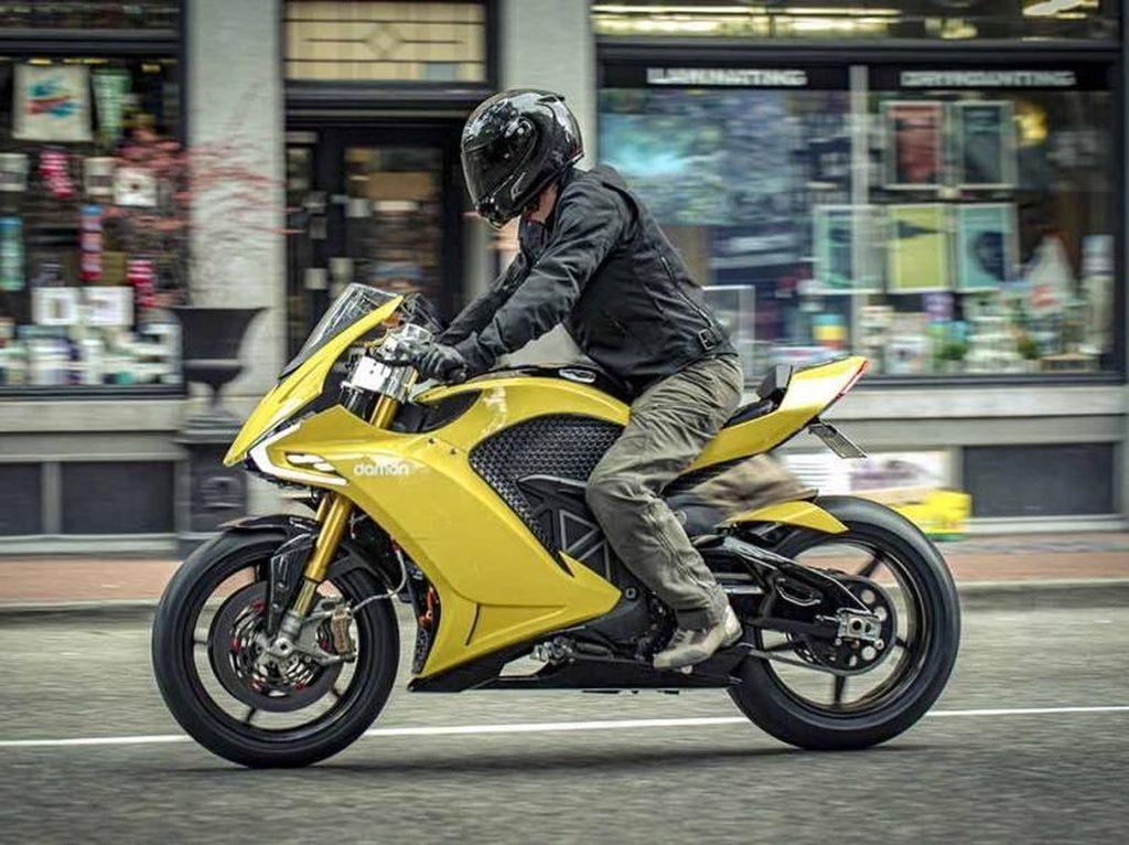Tampang Mirip Ducati, Motor Listrik Ini Bisa Melaju 320 Km/Jam