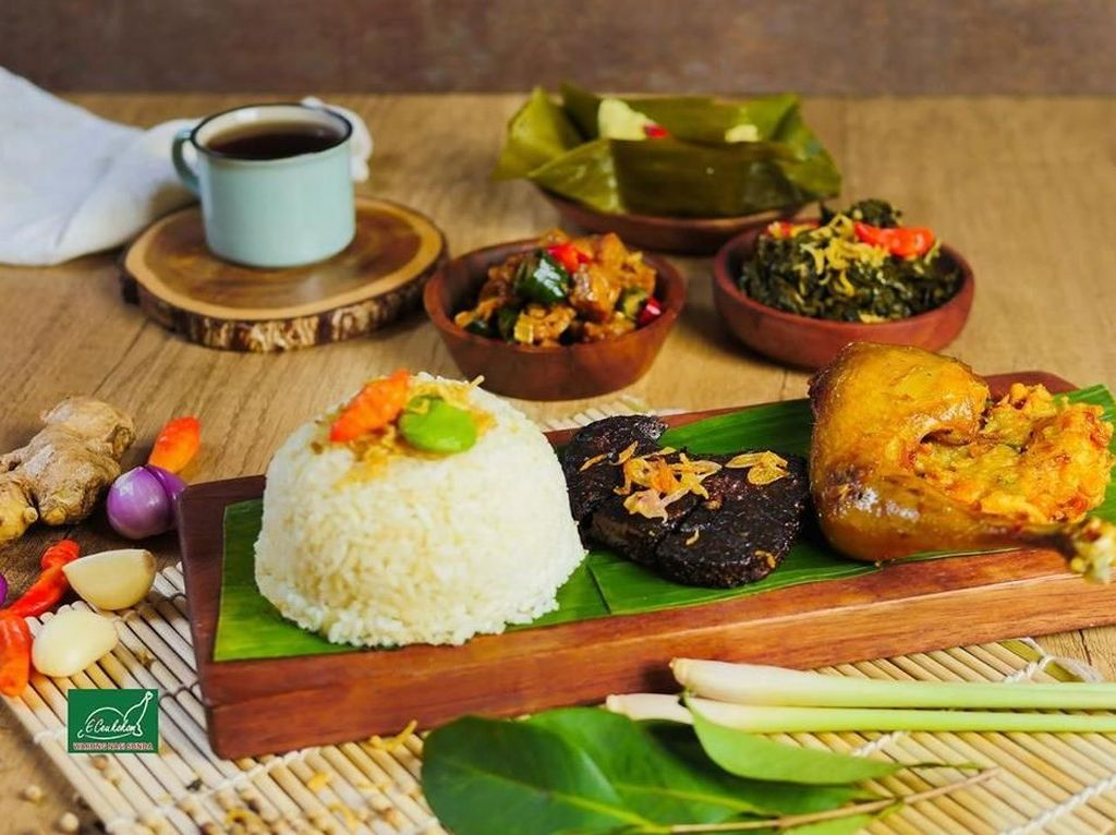Makan Sampai Kenyang dengan Menu Prasmanan Sunda yang Sedap