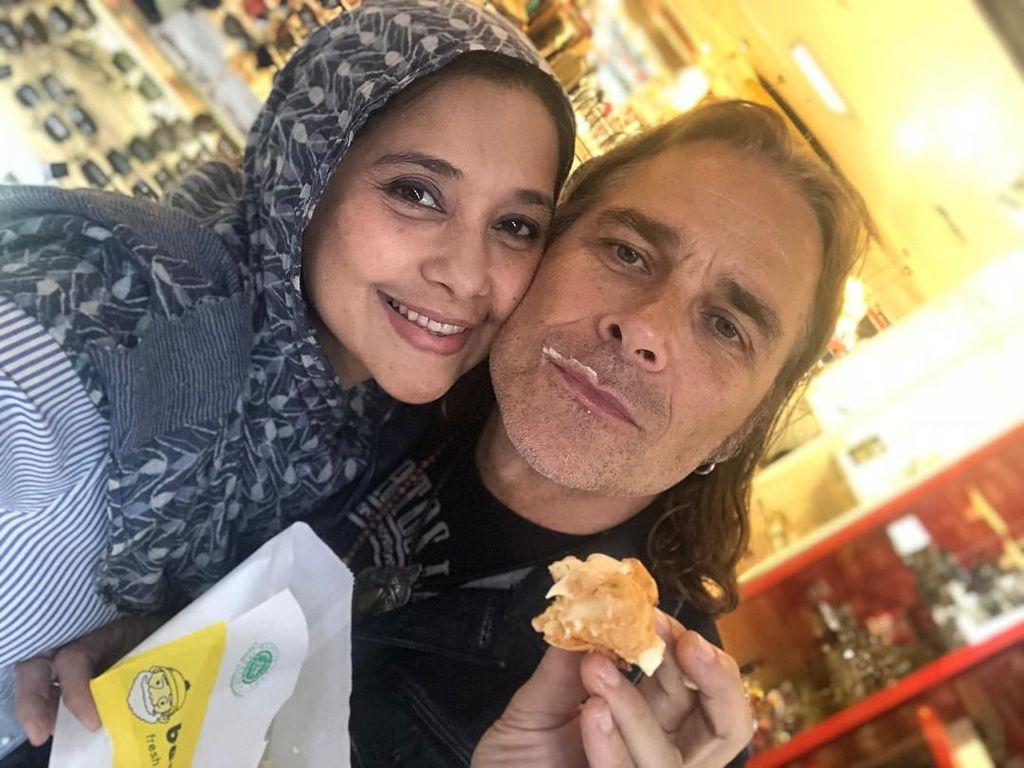 10 Momen Kulineran Ayu Azhari, Aktris dan Istri Mike Tramp