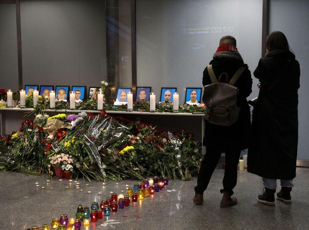 Pesawatnya Jatuh di Iran, Ukraina Tetapkan Masa Berkabung Nasional
