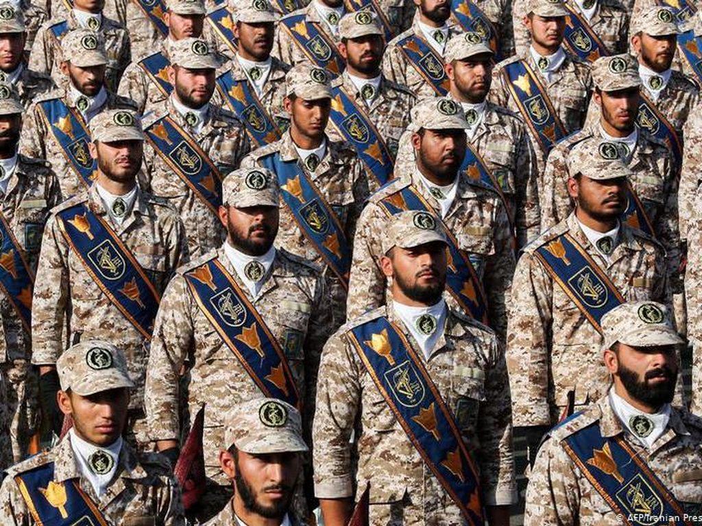 Garda Revolusi Iran, Bisnis Gendut Para Mullah dan Jenderal