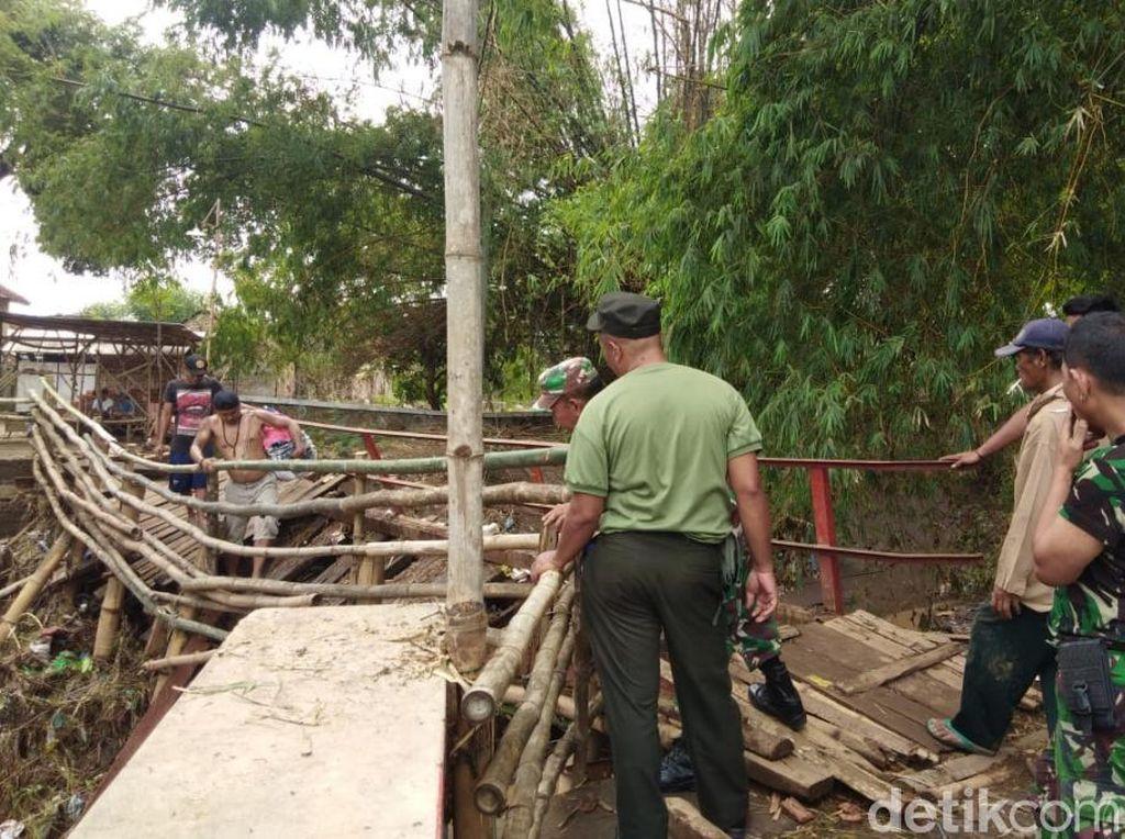 Sebuah Jembatan di Pasuruan Rusak, Warga dan Siswa Harus Berputar 4 Km