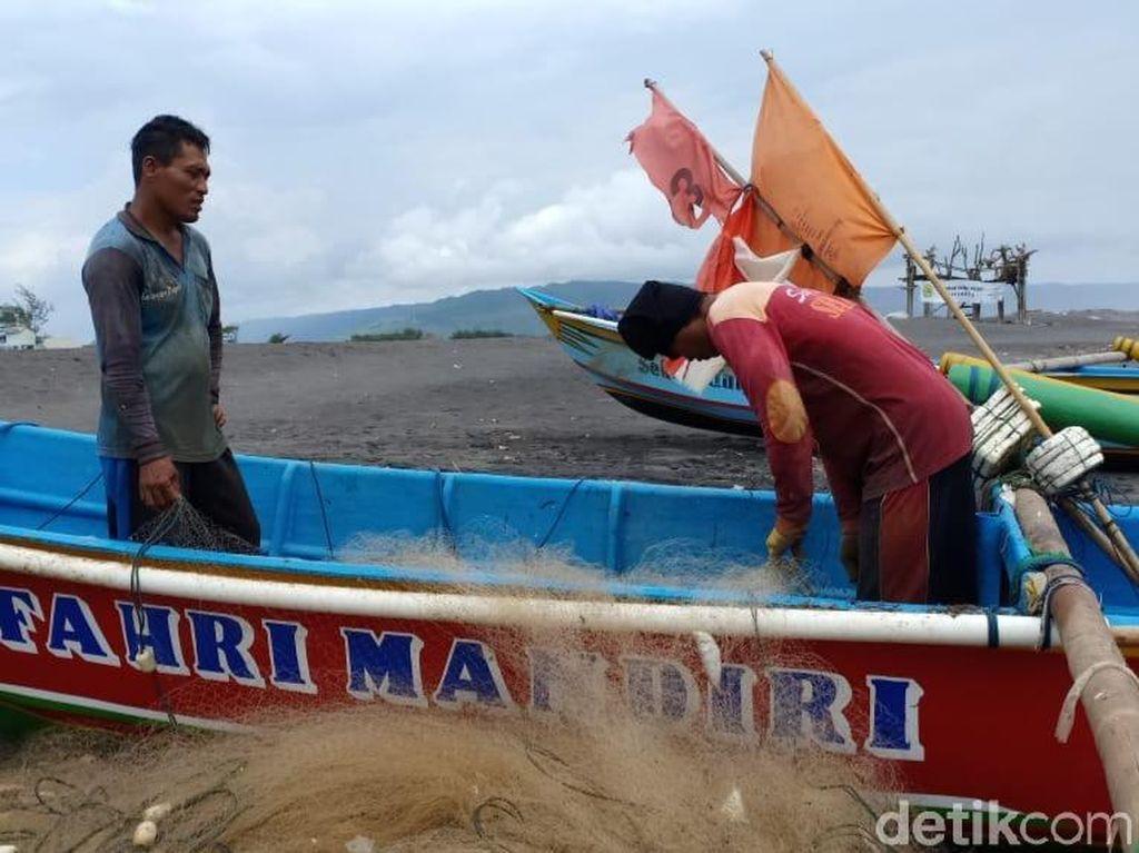 Ada Peringatan Cuaca Buruk, Nelayan di Bantul Siap Alih Profesi