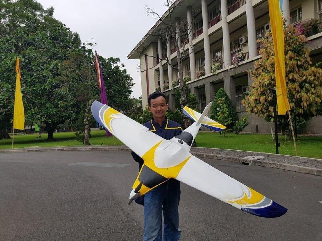UGM Kembangkan Drone Pembasmi Hama, Ini Kebolehannya