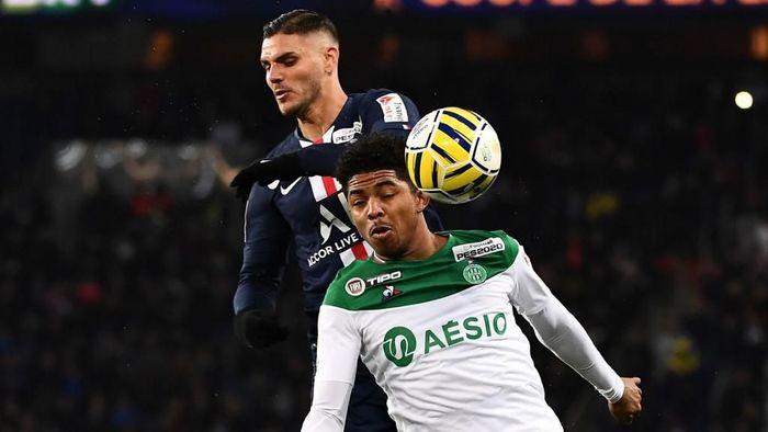 PSG vs Saint-Etienne: Mauro Icardi bikin hat-trick untuk membawa Les Parisiens menang 6-1 (Foto: Anne-Christine POUJOULAT / AFP)