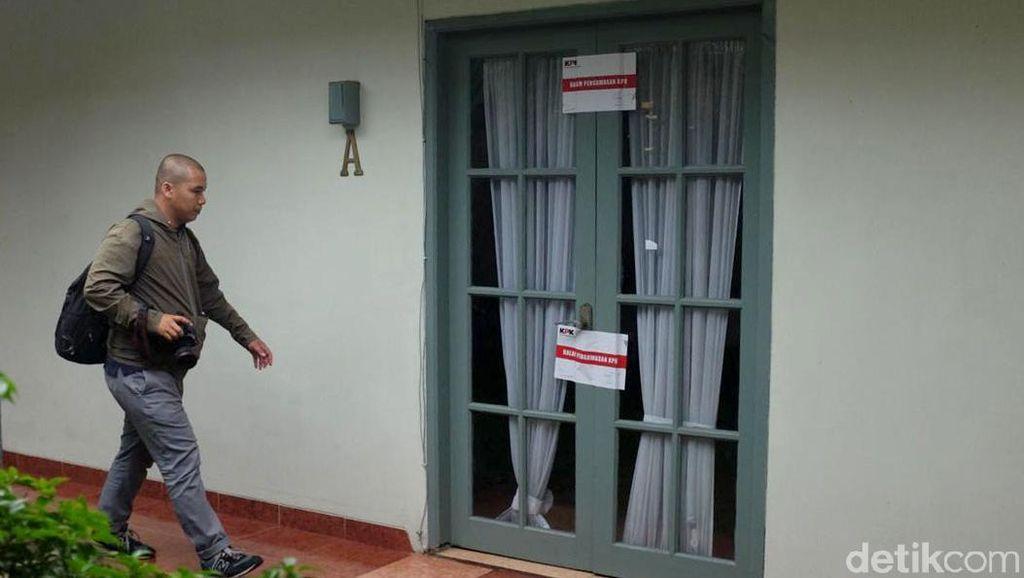 Ruang Kerja Komisioner KPU Wahyu Setiawan yang Disegel KPK