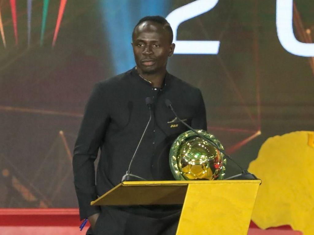 Sadio Mane: Anak Imam Masjid, Rajin Sholat, Jadi Pemain Terbaik Afrika 2019