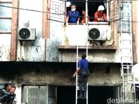 Ngeri! Lima Orang Tewas dalam Kebakaran Ruko di Makassar