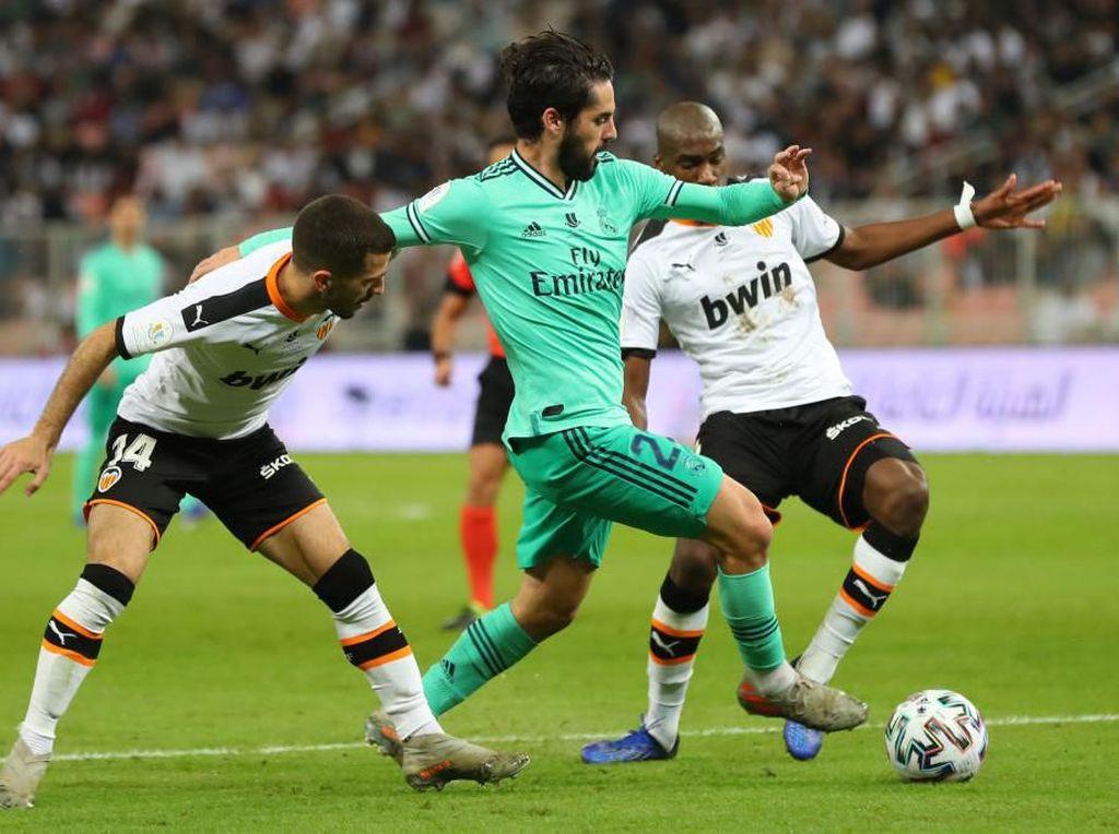 Bermesinkan 5 Gelandang, Real Madrid Tak Beri Napas untuk Valencia