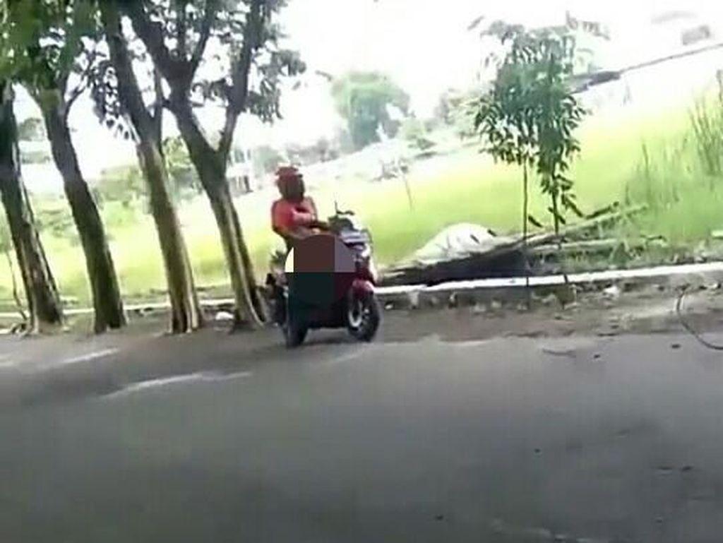 Viral, Seorang Pria Onani di Atas Motor
