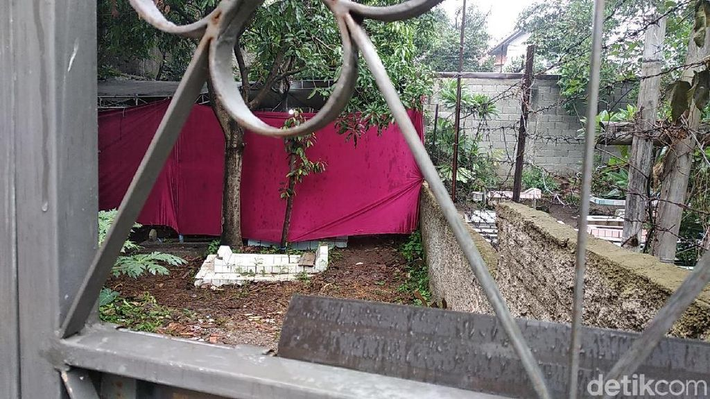 Makam Lina Eks Sule Dibongkar!