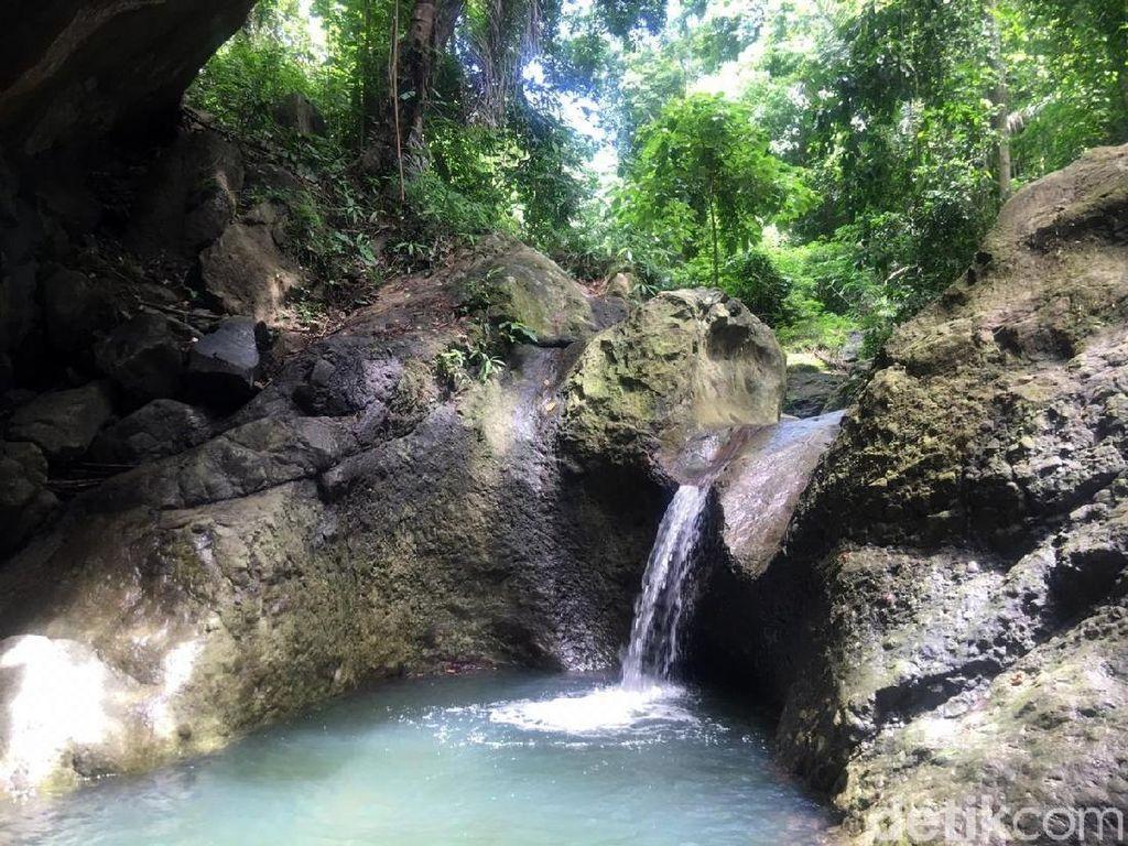 Foto: Air Terjun Cantik & Kolam Sejernih Kaca di Sulawesi