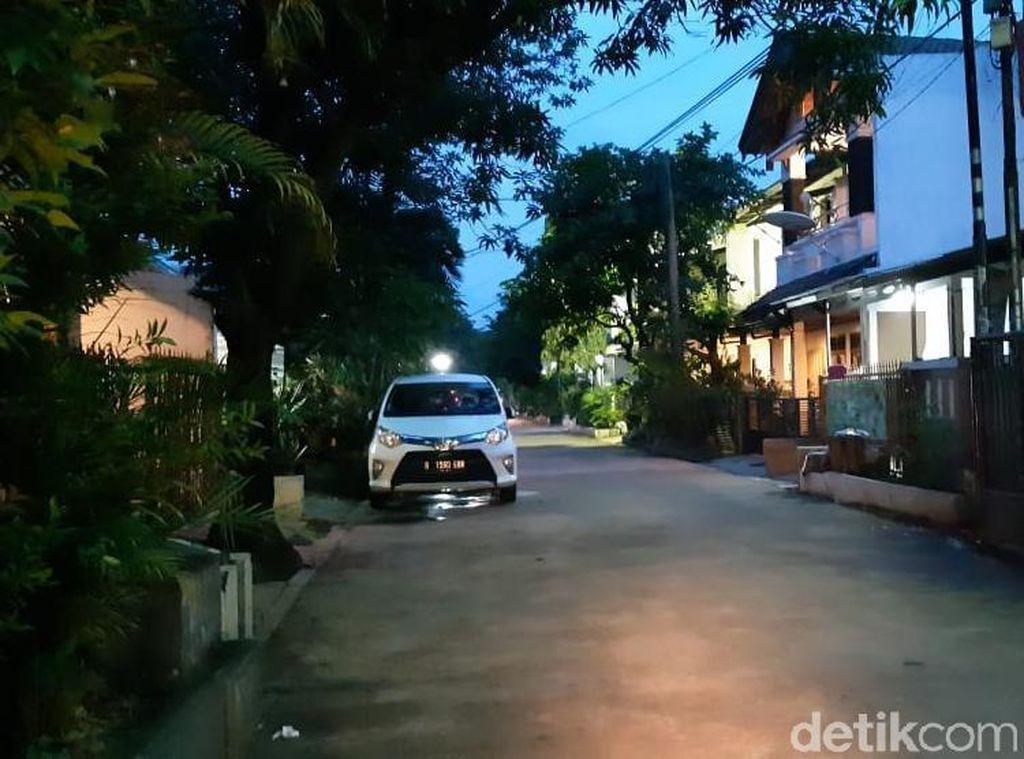 Pemilik Mobil di Depok Tanpa Garasi, Denda Rp 2 Juta Menanti