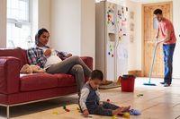 Dear Ibu Hamil, Hindari 6 Pekerjaan Rumah Ini Ya