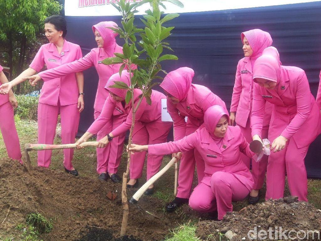156 Ribu Pohon Ditanam di Jatim Cegah Banjir pada Masa akan Datang
