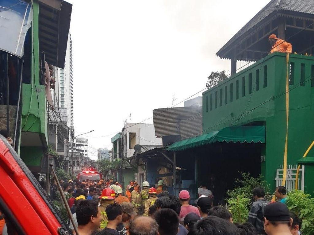 Rumah Terbakar di Setiabudi Jaksel, 10 Unit Mobil Damkar Dikerahkan