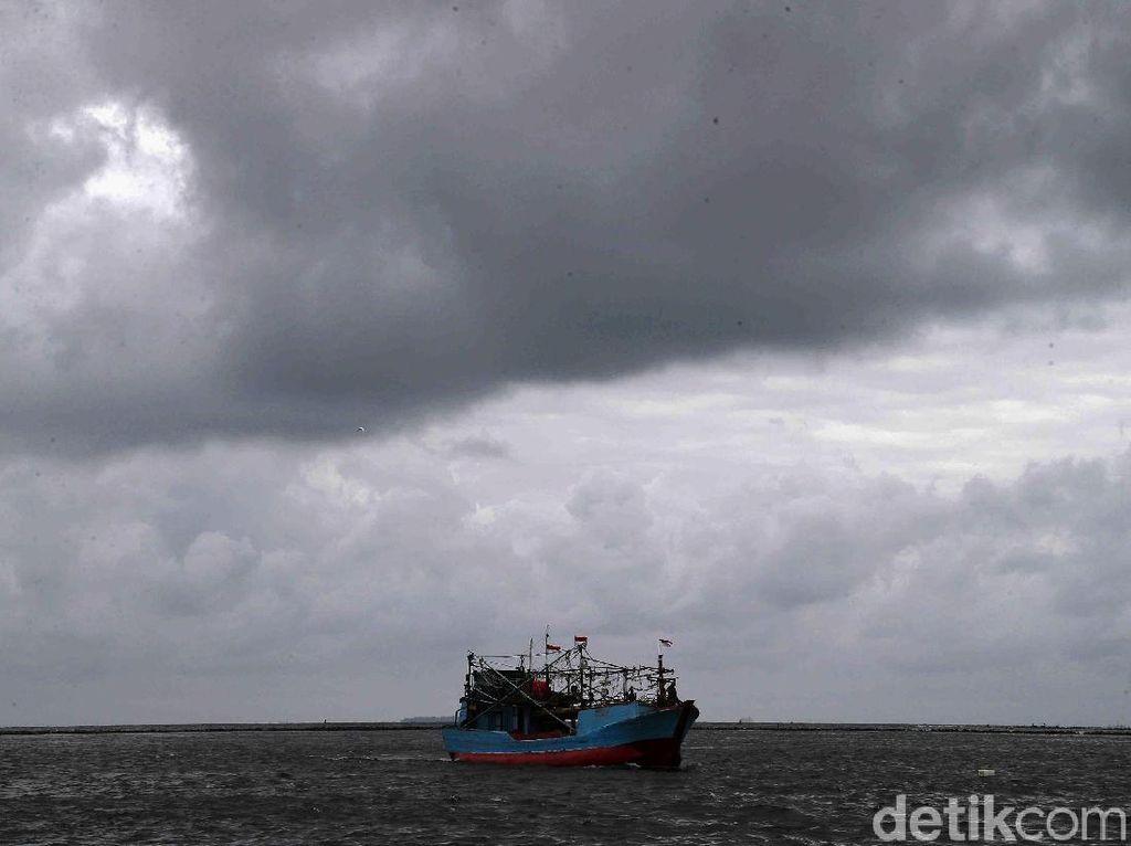 BPBD: Waspada Gelombang Tinggi hingga 2,5 M di Perairan Kepulauan Seribu